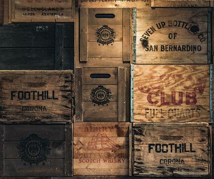 Cajas de cerveza apiladas