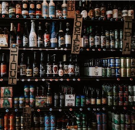 Estante de cervezas artesanales