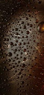 Fondo oscuro burbujeante, color en general de una cerveza Ale